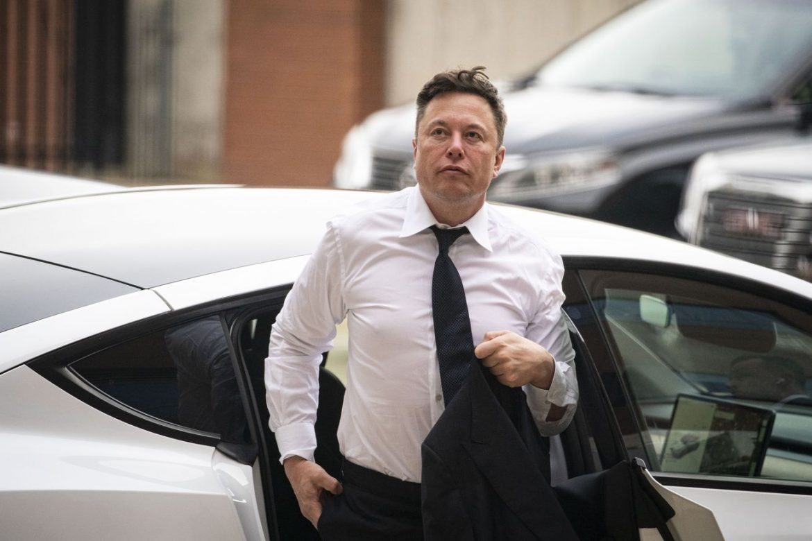 Elon Musk and Apple deny wild story that he tried to replace Tim Cook